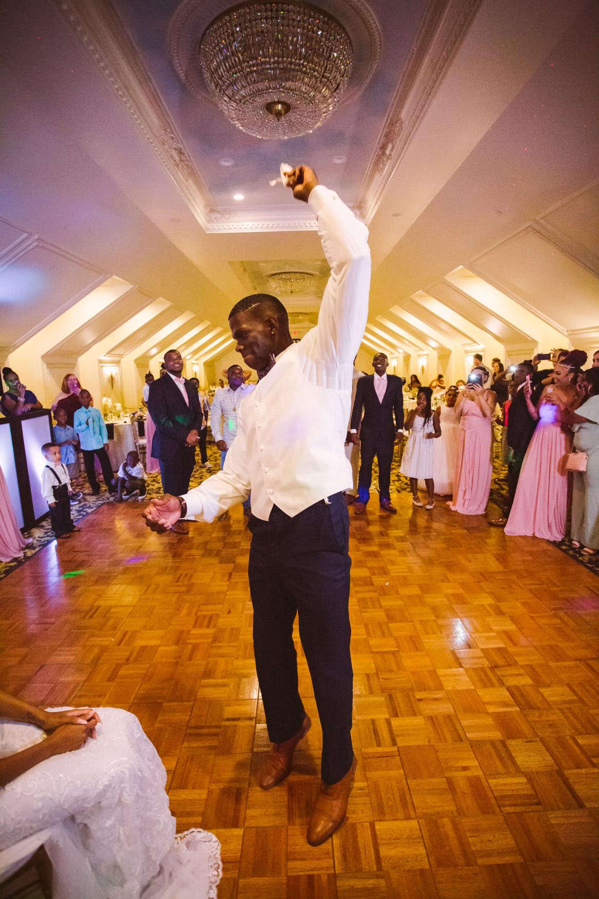 Waynesville Wedding Photography | Garter Toss