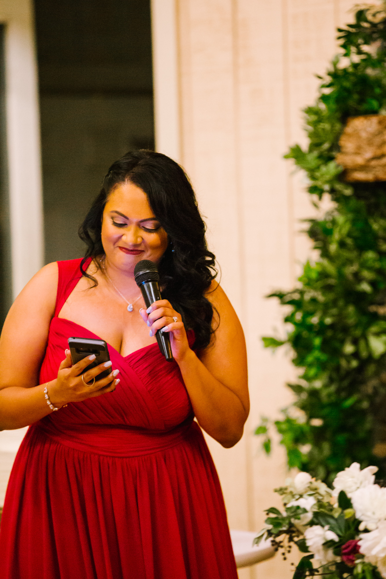 Waynesville NC Wedding Photography | Sister Giving a Speech at the Reception